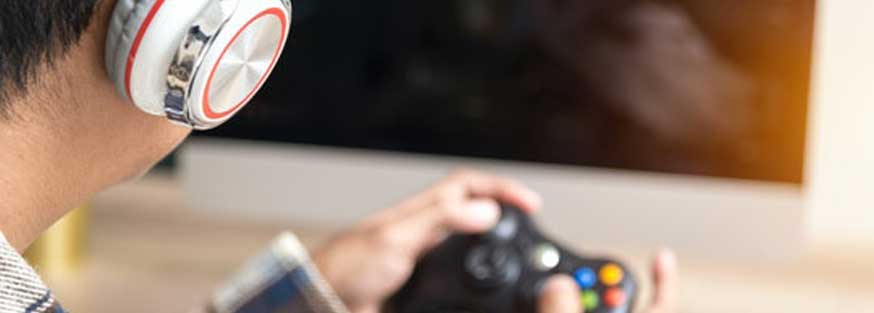 What To Do When Your Partner Chooses Video Games Over Helping With The Baby